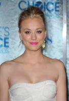 114042069_05898-kaley-cuoco-2011-peoples-choice-awards-04-12.jpg