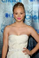 ANB5J62DL1_Kaley_Cuoco_-_2011_Peoples_Choice_Awards_35_.jpg