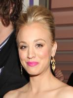 QRSC5J14ED_Kaley_Cuoco_-_2011_Peoples_Choice_Awards_41_.jpg