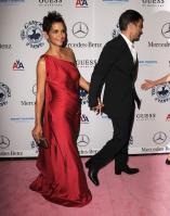 72263_329785d1288231670_halle_berry_red_dress_pokies_halleberry_5__122_18lo.jpg