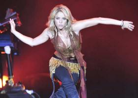 Shakira dancing on stage