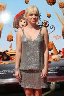 95699_Anna_Faris_Cloudy_With_A_Chance_Of_Meatballs_Premiere_LA_120909_008_122_414lo.JPG