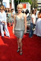 96158_Anna_Faris_Cloudy_With_A_Chance_Of_Meatballs_Premiere_LA_120909_020_122_695lo.jpg