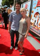 96398_Anna_Faris_Cloudy_With_A_Chance_Of_Meatballs_Premiere_LA_120909_026_122_371lo.jpg