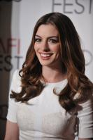 89320_s_ah_love_and_other_drugs_opening_night_gala_afi_fest_20101104_78_122_135lo.jpg