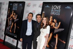 89528_s_ah_love_and_other_drugs_opening_night_gala_afi_fest_20101104_101_122_86lo.jpg