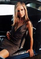 Sarah Michelle Gellar posing in hot dress
