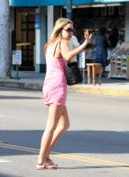 67273_Preppie___Amanda_Bynes_running_errands_in_Beverly_Hills___August_8_2009_4131_122_1173lo.jpg