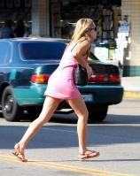 67303_Preppie___Amanda_Bynes_running_errands_in_Beverly_Hills___August_8_2009_9127_122_555lo.jpg